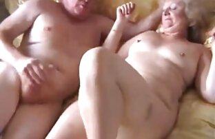Linda morena peliculas porno audio latino gordita disfruta de una corrida facial pegajosa