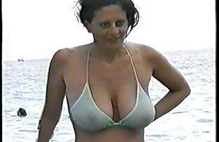 Roxanne Cox es una xxx español latino sexy milf británica a la que le encanta masturbarse