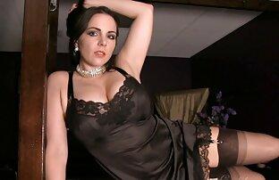 PUTA LOCURA Teen videos xxx español latino Lolly tiene hermosas tetas naturales grandes